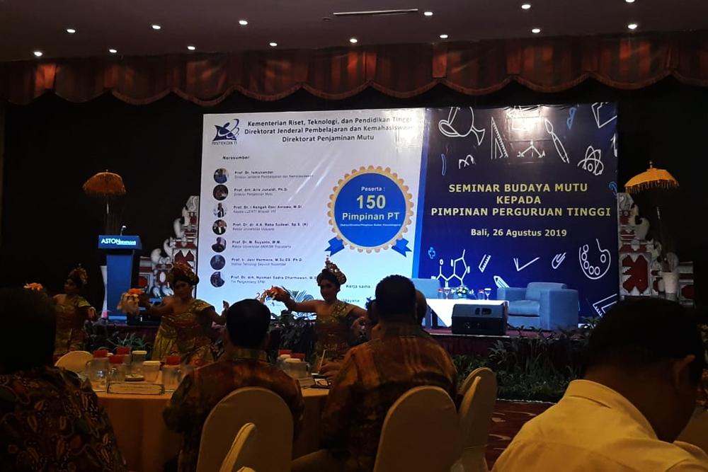 STIKES Hamzar Hadiri Seminar Budaya Mutu di Bali