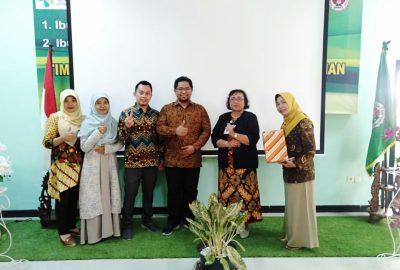 Profesi Bidan STIKes Hamzar Studi Banding Ke Surakarta