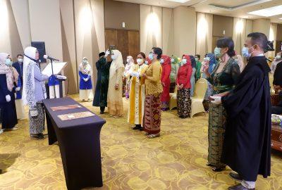 Rohaniawan Lintas Agama Warnai Pengukuhan Profesi Bidan Angkatan I STIKes Hamzar